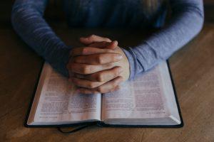 Hanauer Kirchen – Offene Türen für Trostsuchende - Liturgische Bausteine