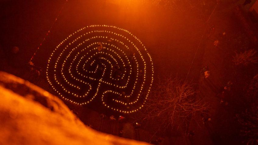 lichterlabyrinth am 1 advent kirchenkreis hanau. Black Bedroom Furniture Sets. Home Design Ideas