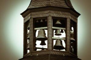 Kerzen, Glocken und Gebet: Miteinander, aber nicht zusammen