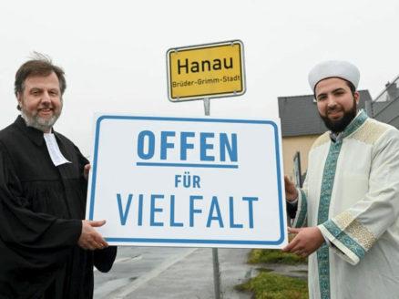 07.02.2021-Martin-Lückhoff-Dekan-des-Evangelischen-Kirchenkreises-Hanau-und-Mustafa-Macit-Bozkurt-Imam-des-Islamischen-Vereins-Hanau-e.V.